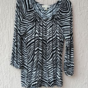 MICHAEL KORS NWOT  BLack & White Top size  M